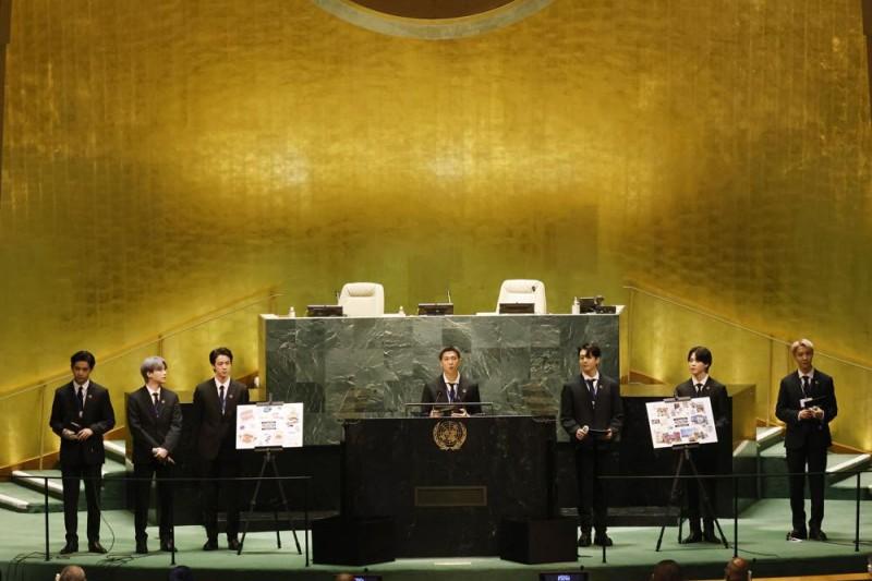 南韓防彈少年團(BTS)9月20日在聯合國大會活動演講。(AP)