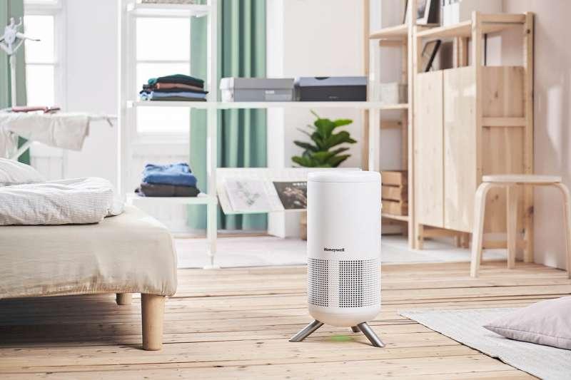 Honeywell推年度話題新品【小氛機】首創「空氣淨化」與「療癒香氛」二合一  滿氛好空氣一機搞定。(圖/業者提供)