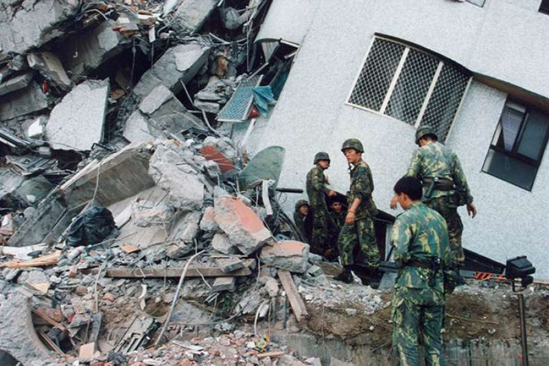 921大地震後,新北市政府評估共有601件建物需拆除或修復,如今剩12件未處理完成。(圖/住展房屋網)