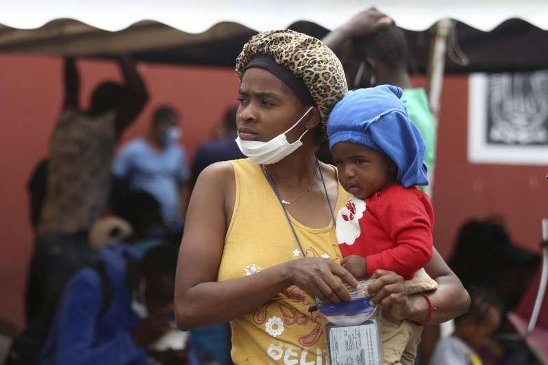 2021年8、9月,大批海地移民聚集美國與墨西哥邊界,試圖進入美國(AP)