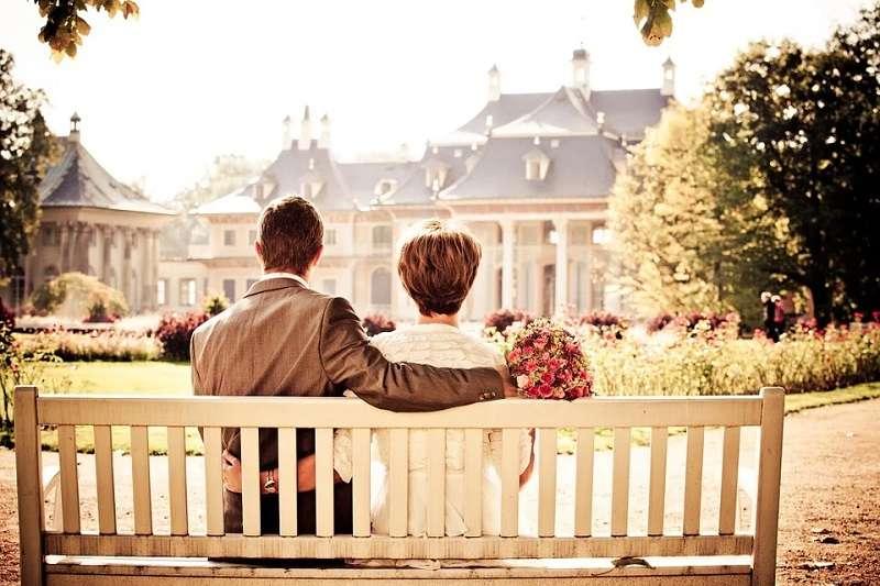 大齡男女交友找到人生另一半並不容易,知名婚友社春天會館戀愛秘書點出交友盲點。