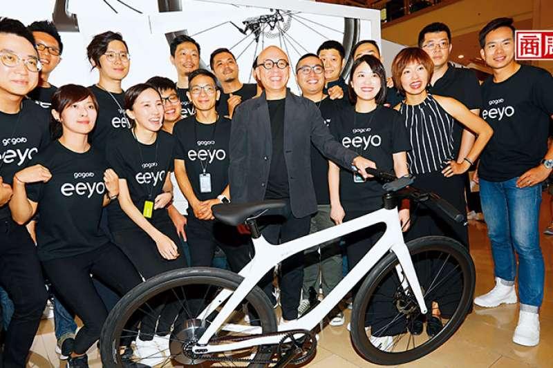 陸學森(中)去年宣布Smartwheel的事業,加上海外市場擴展,須積極上市尋求成長所需資金。(圖片來源:商業周刊;攝影/楊文財)