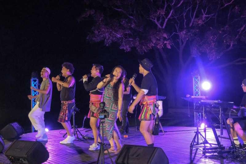 「2021東海岸大地藝術節」線上月光·海音樂會開播湧入萬人觀看。(圖/交通部觀光局東部海岸國家風景區管理處提供)