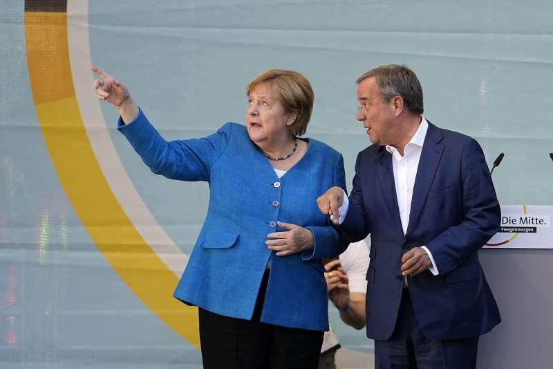 2021年9月26日,德國聯邦議會選舉,梅克爾與黨內接班人拉謝特(AP)