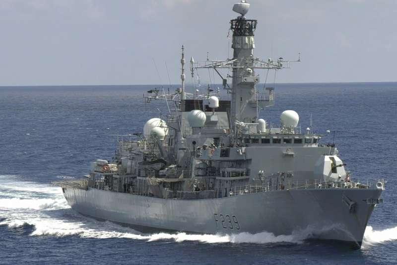 英國皇家海軍「里奇蒙號」巡防艦27日證實通過台灣海峽。(取自推特@HMS_Richmond)