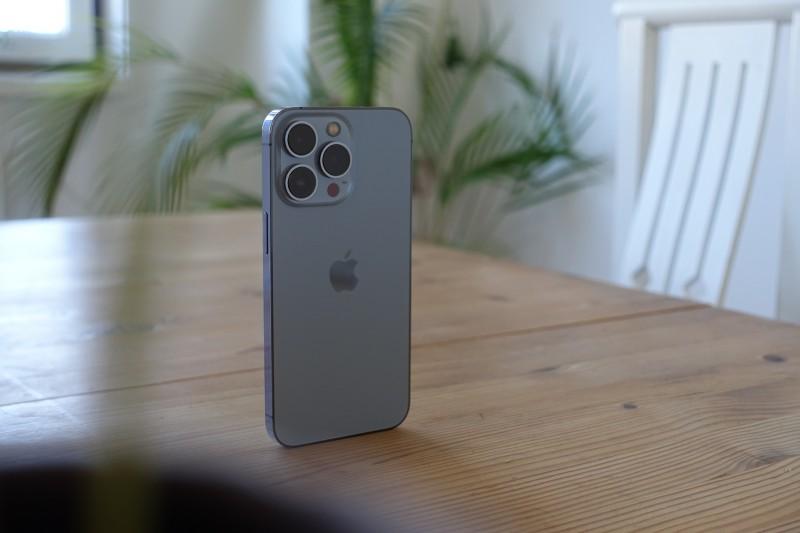 iPhone 13在全球正式開賣,各地陸續傳出銷售佳績,尤其中國大陸市場表現強勁。(Image by Lukas Gehrer from Pixabay)