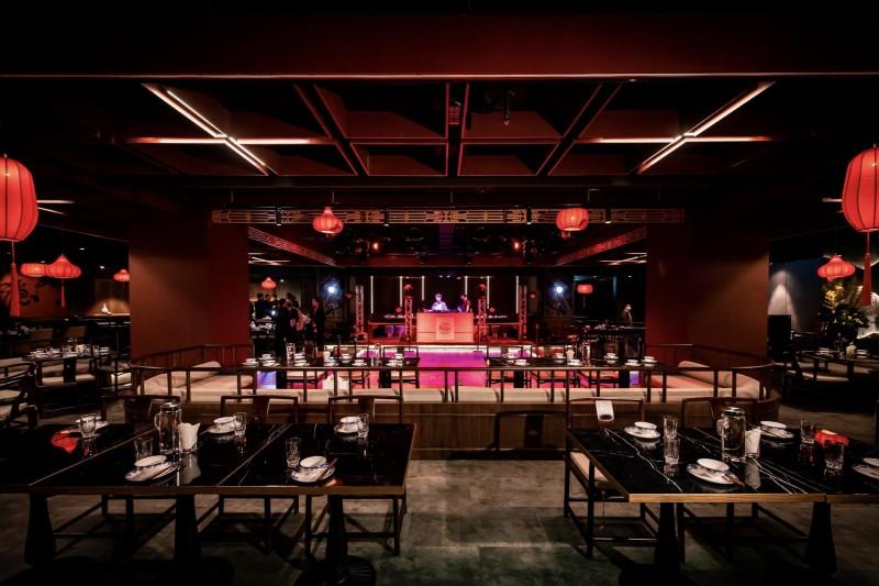 The Hermit隱士餐飲集團斥資上千萬打造「隱世THE ARCADIA」旗艦店,請來明星藝人、音樂家、歌星、表演團體等來助陣。(圖/隱世提供)