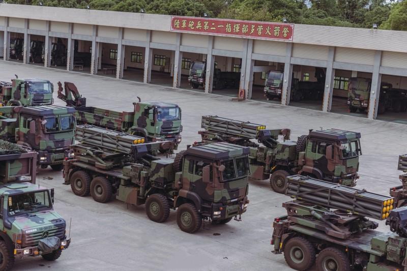 20211012-雷霆2000的發射車。(取自中華民國陸軍臉書)