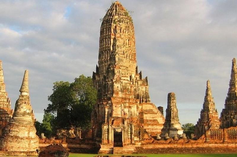 泰國名剎柴瓦塔那蘭寺(貴妃寺)(維基百科)