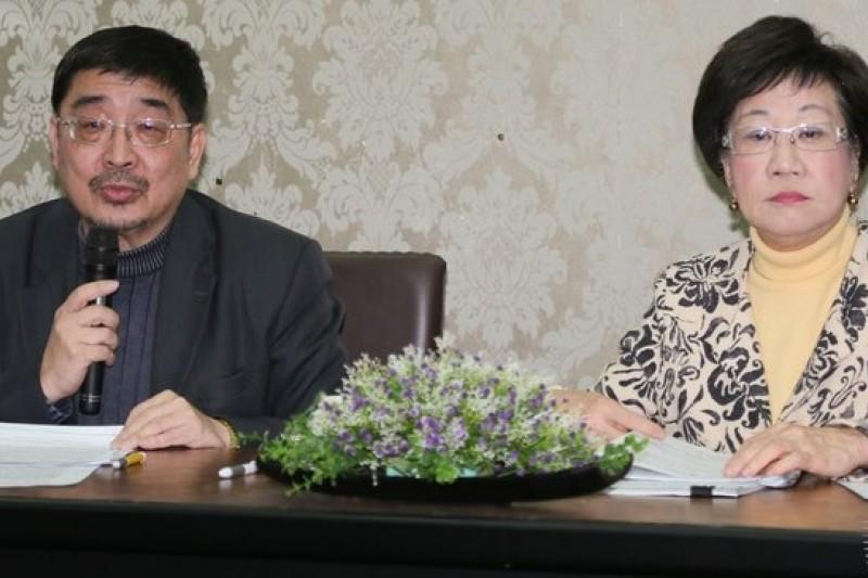 民進黨智庫16日舉行憲改論壇,東華大學教授施正鋒發言時,不忘批評民進黨也難逃「本位主義」心態。(資料照片,余志偉攝)