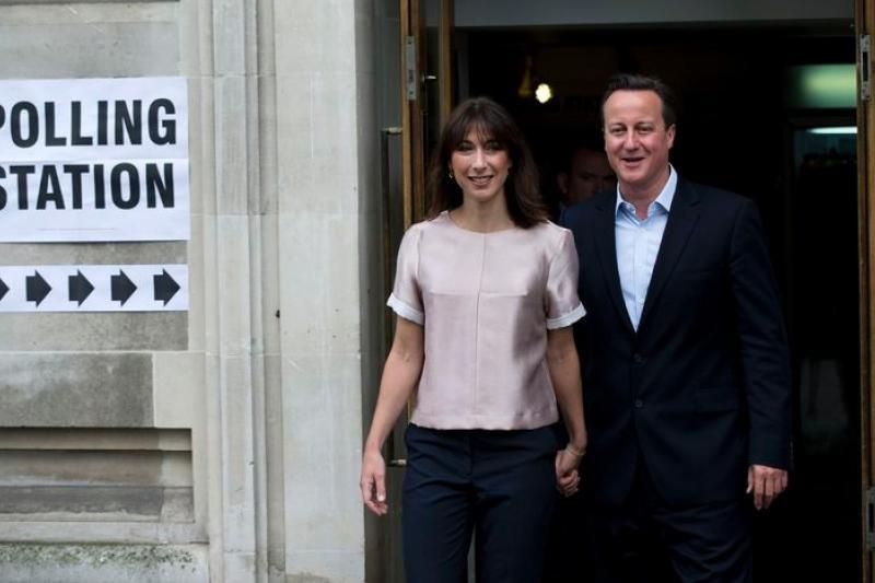歐洲議會選舉22日在英國與荷蘭登場,英國首相卡麥隆與夫人莎曼珊也在首都倫敦投票。
