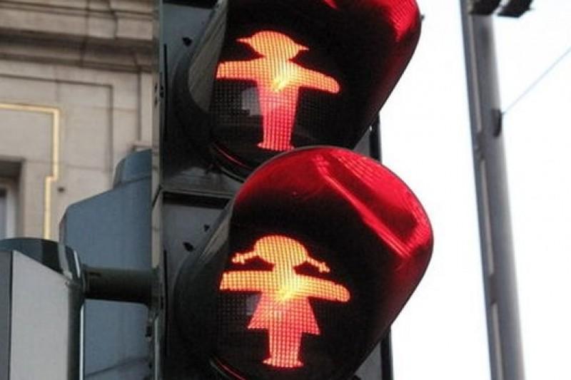 柏林街頭可能很快出現女版小綠人。(取自網路)