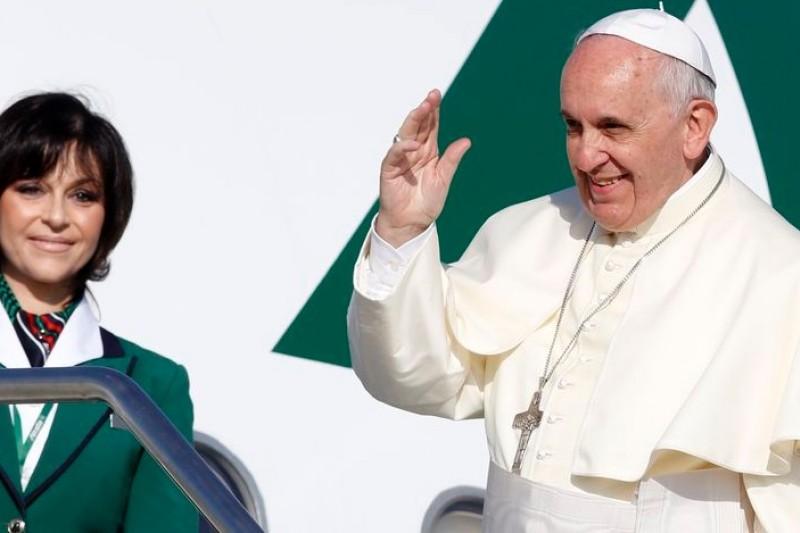 教宗方濟各24日啟程出訪中東,3天行程馬不停蹄。(美聯社)
