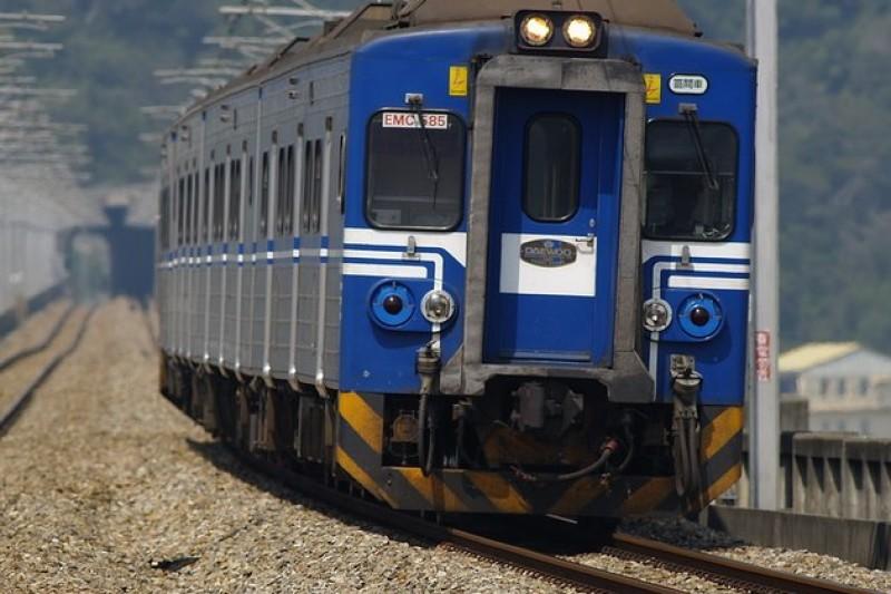 立法院30日三讀通過修法,未來火車如果誤點,應負賠償責任。(取自網路)