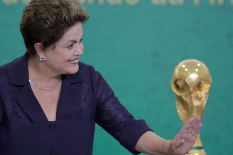 巴西總統羅賽芙對世足賽事掛保證,但勞團恐怕不會讓她稱心如意(美聯社)