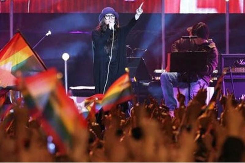 此前張惠妹新加坡演唱會,同志歌迷反應熱烈。(取自網路)
