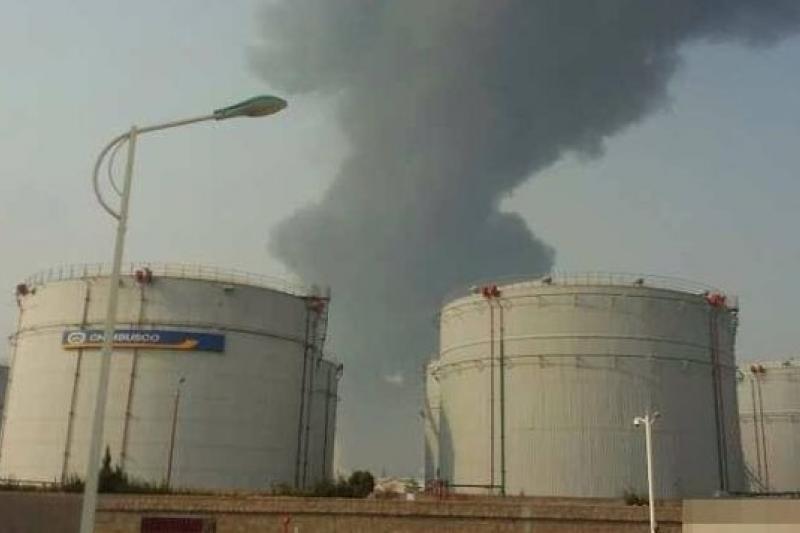 青島市黃島化工區輸油管爆炸。(取自網路)