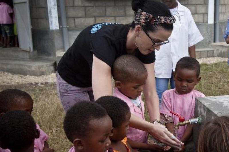 聯合國兒童基金會宣布美國流行歌手凱蒂佩芮將擔任基金會的全球親善大使。(取自網路)