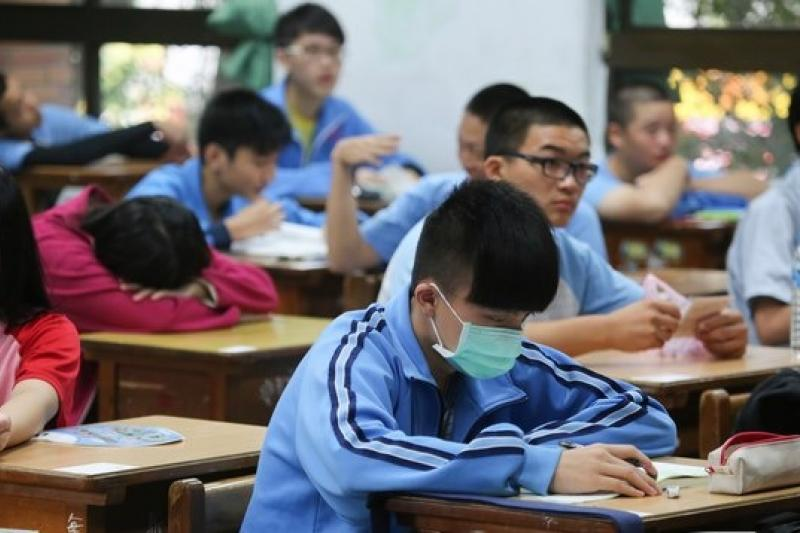 廣達董事長林百里認為「教育不是工廠,不能整批出貨」,應因材施教,要考慮孩子的特殊性。(余志偉攝)