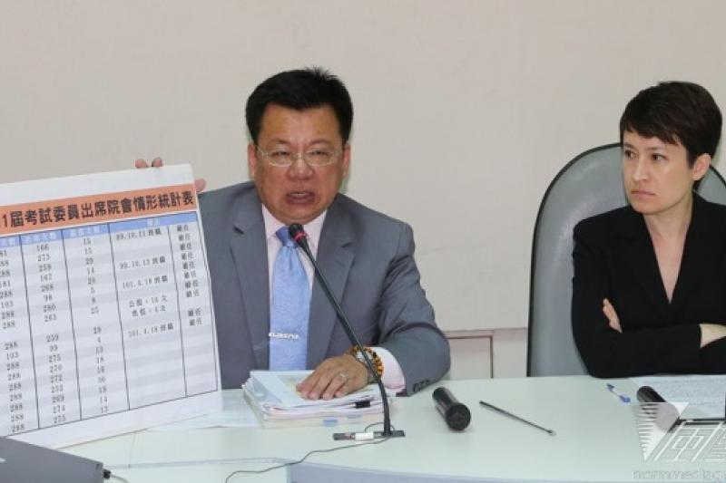 民進黨立院黨團書記長蕭美琴上午表示,用台灣的脆弱依賴來滿足「馬習會」的歷史定位,民進黨團反對。(余志偉攝)