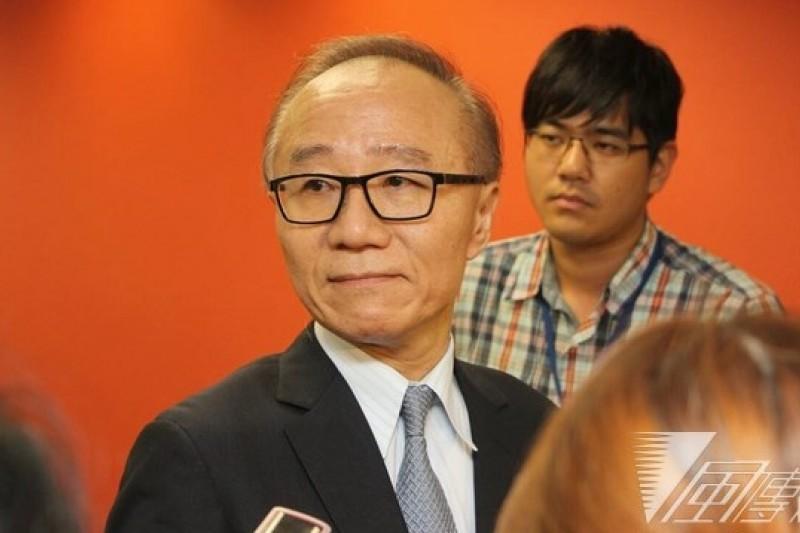 杜麗莊委任律師常在律師事務所律師陳彥希表示,對於最高法院駁回裁定深感遺憾,將尋求法律救濟途徑提出非常上訴或再審。(葉信菉攝)