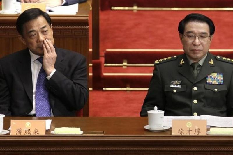 中共政界與軍界的兩大老虎薄熙來(左)與徐才厚(取自網路)