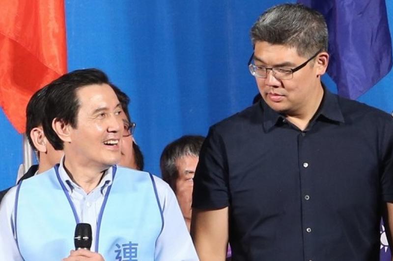 國民黨在台北之戰岌岌可危,然而在國民黨主席馬英九(左)吹起反攻號角下,台北市長候選人連勝文(右)選情已有起色。(吳逸驊攝)