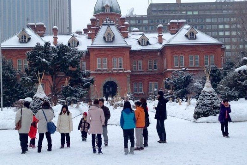 地球暖化爆冷爆熱,回為北海道札幌的雪景。(呂紹煒攝)