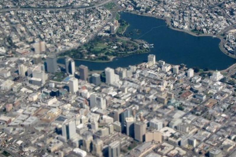 美國舊金山是高科技匯聚的城市,家戶所得最高,貧富差距卻也最大(取自維基百科)