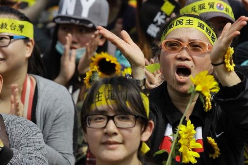 太陽花學運「懷抱理想而來,承擔責任而去」讓台灣學運世代較諸國際案例更成熟,也因此點燃台灣的希望。(美聯社)