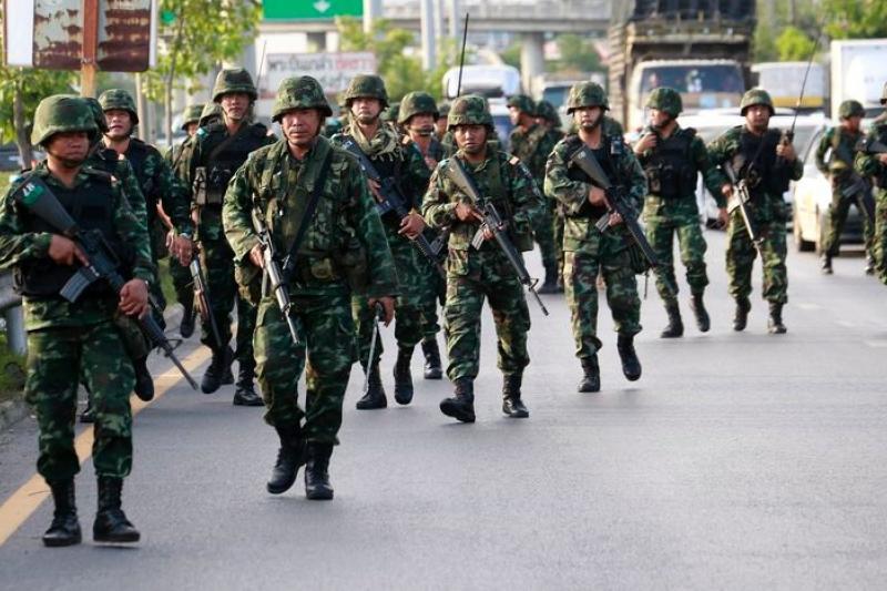 泰國軍方5月22日發動政變,推翻民選政府。這是泰國近代史上第12次成功的政變。(美聯社)
