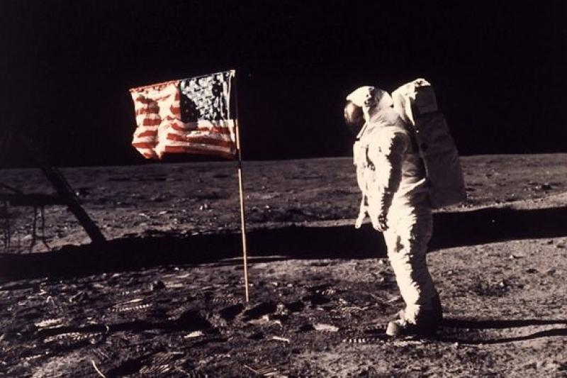2014年7月20日,人類登陸月球45周年。(美聯社)