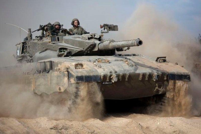 以色列裝甲部隊進軍加薩走廊(美聯社)