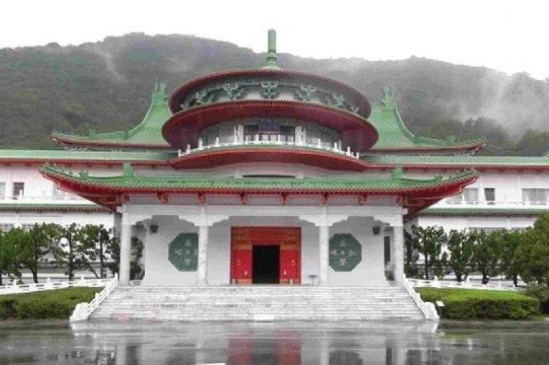 台灣憲法一路修到修制憲機關國民大會都廢了,依舊未能完善平等自由主義的憲政文化。(圖為過去修憲所在地國民大會中山樓,維基百科)