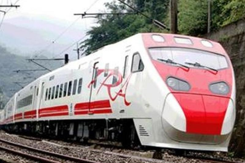 花東鐵路電氣化提前完工,七月開始通車。(取自行政院新聞資訊網)