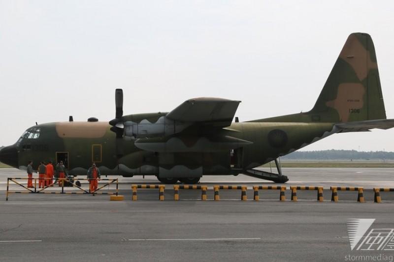 國軍將於下午1點派遣C-130運輸機前往澎湖運送罹難者遺體返台。(資料照片,余志偉攝)