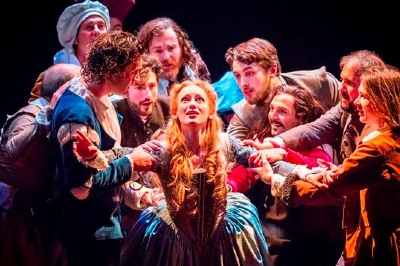 在倫敦西區劇院上演的《莎翁情史》(Shakespeare in Love)(美聯社)