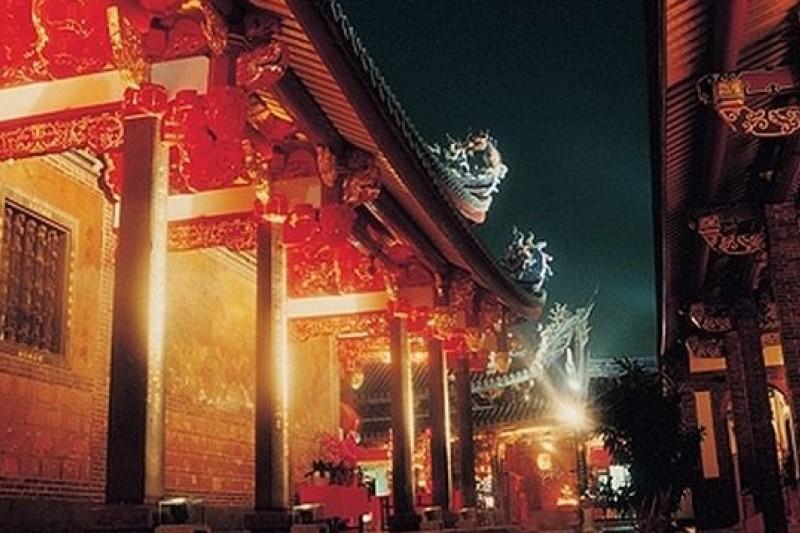 台北市長參選人們迄今提不出市政建設願景,老區翻轉成空談。(圖為大龍峒保安宮,取自愛台北市政雲官網)