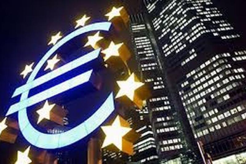 歐洲QE(貨幣量化寬鬆)政策,會讓資金向東走還是向西行?值得關注。(網路圖片)