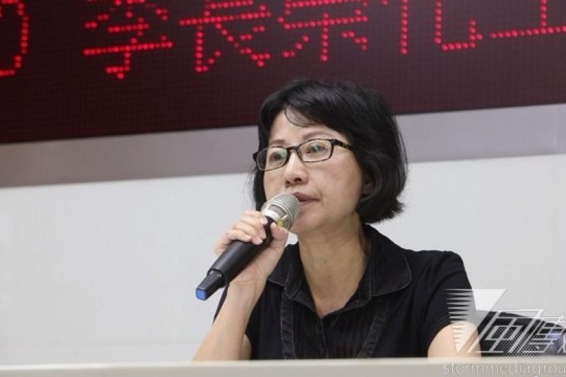 李長榮化工發言人潘俐霖上午重大訊息說明,但卻讓現場記者感覺「什麼都沒說明」。(姚惠珍攝)
