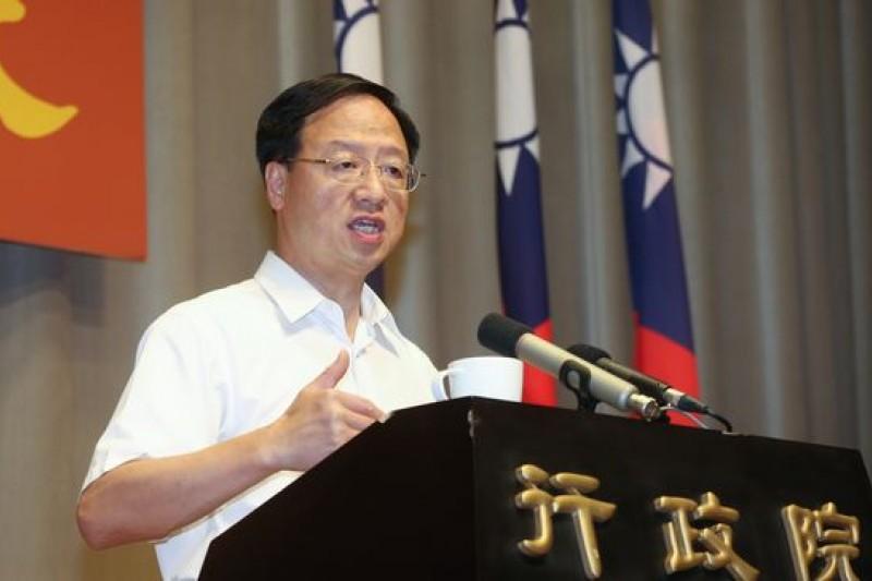 化解食安風暴,行政院長江宜樺宣示「八項措施」,他大概沒想到食安溯源的第一步,是得做到「政策溯源」。(資料照/余志偉攝)