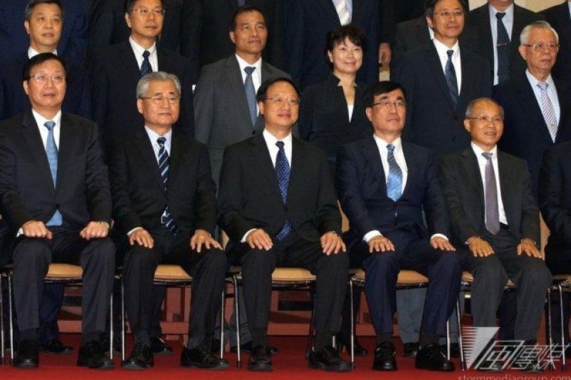 江內閣總辭,新內閣面臨嚴峻的政治形勢。(蘇仲泓攝)