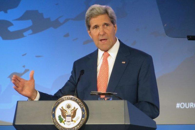 在率團前往中國出席本屆APEC年會前夕,美國國務卿凱瑞(John Kerry)就中美關係發表公開演說。(取自網路)