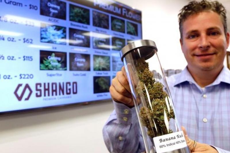奧勒岡州通過大麻合法化,支持者喜上眉梢。(美聯社)