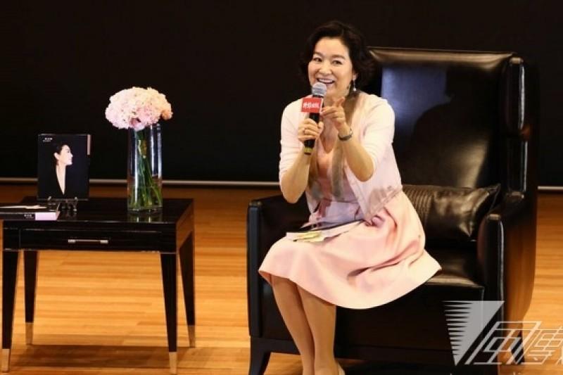 林青霞發表新書《雲去雲來》,暢談與鄧麗君的動人友情。(葉信菉攝)