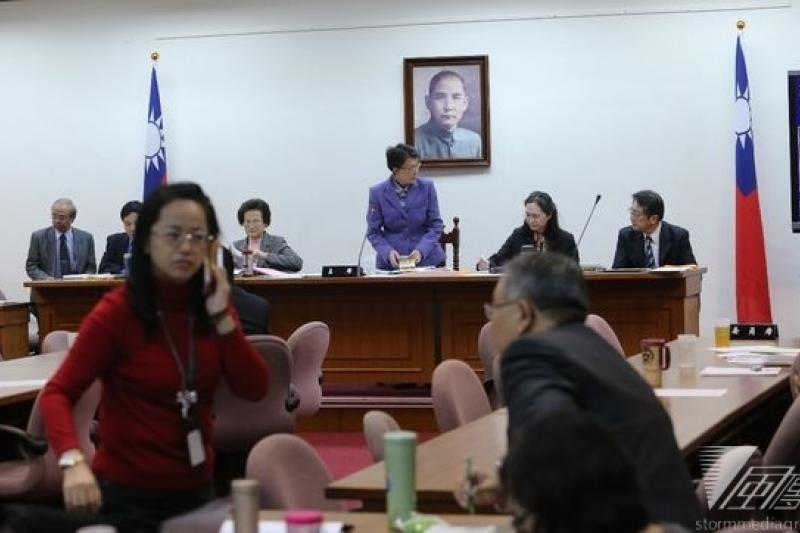 行政院舉行臨時院會提出總辭案,立法院多個排定的委員會都停開。(吳逸驊攝)