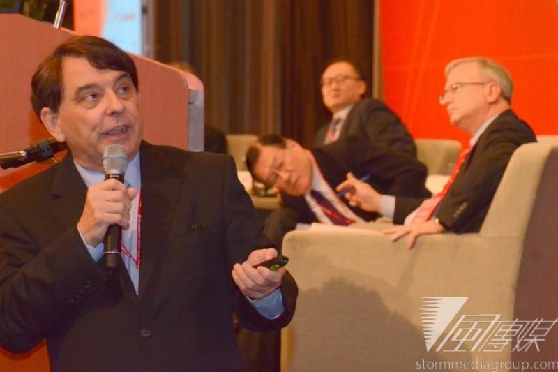 新台灣國策智庫國際研討會,左一為前美國在台協會(AIT)台北辦事處處長司徒文。(宋小海攝)