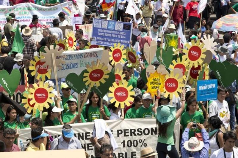 秘魯利馬氣候大會,各國政府各懷鬼胎,環保人士大舉抗議。(美聯社)