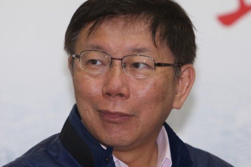 台北市長當選人柯文哲16日赴澄清醫院分享經驗,他表示,參選的起因,為前台北市議員莊瑞雄1句「叫柯P出來」。(資料照片,吳逸驊攝)