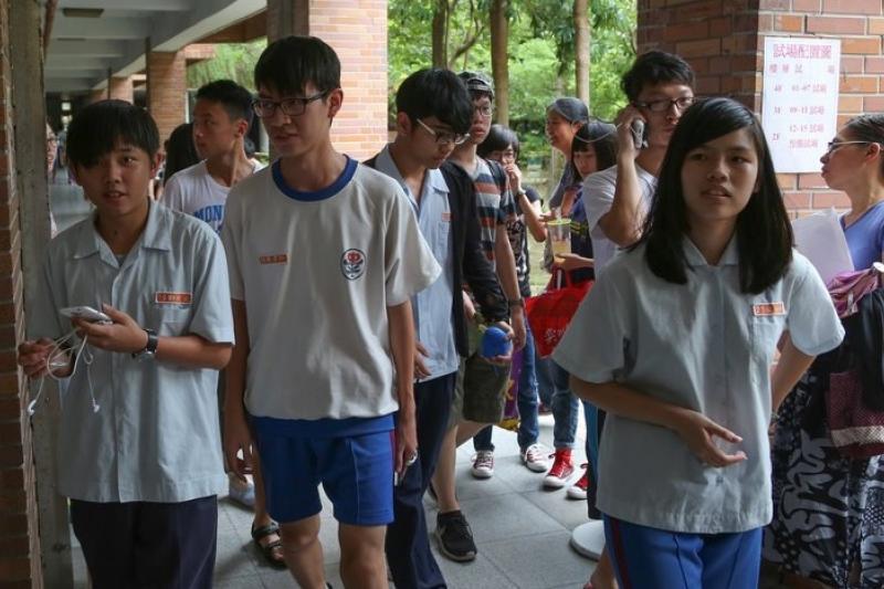 新北市、台北市、台中市先後宣布明年不辦特招,台南市將成為唯一續辦的縣市。圖為特招考試試場。(資料照片,余志偉攝)